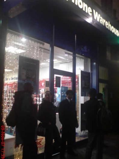 lancio iPhone in Inghilterra