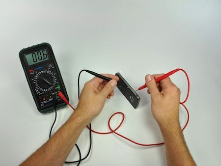 Controllo dell'impedenza delle antenne di iPhone 4