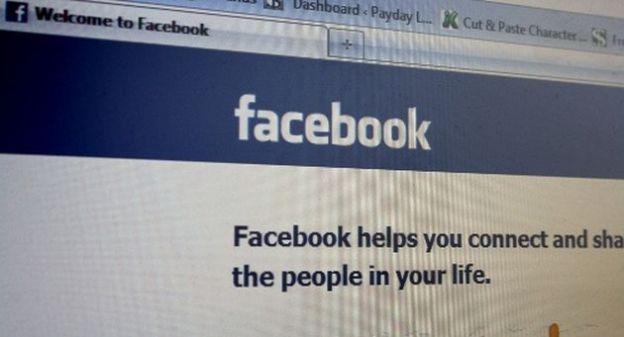 messaggi facebook utenti amministratori