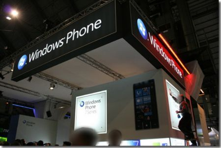 Windows Phone 7 Asus