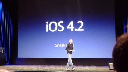 Apple iPad diventa multitasking con iOS 4.2
