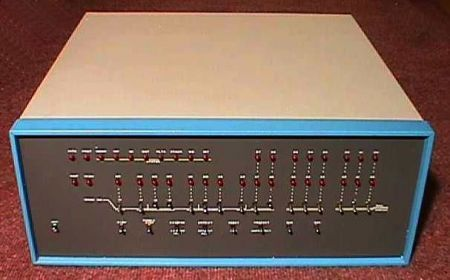 Altair 8800 Edward Roberts Bill Gates Personal Computer
