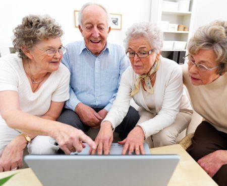 Anziani su Internet