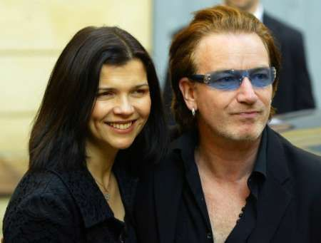 File sharing: Bono attacca il p2p