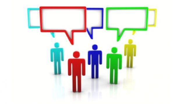 Usare la chat su Facebook con un gruppo di amici
