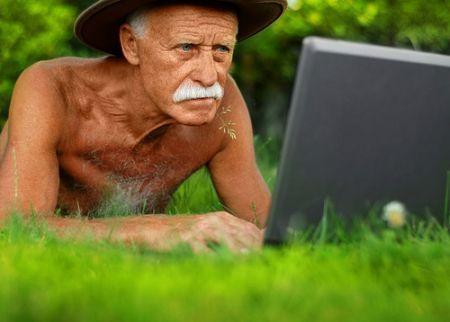 Facebook e gli anziani