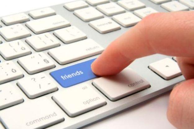 Gestire i familiari su Facebook: creare ed eliminare parentele