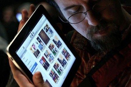 Apple iPad attende applicazione Facebook ufficiale