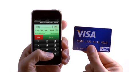 Apple iPhone: adesso anche carta di credito