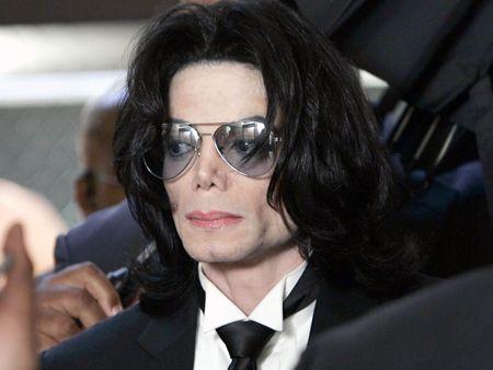 Michael Jackson impazza anche su eBay