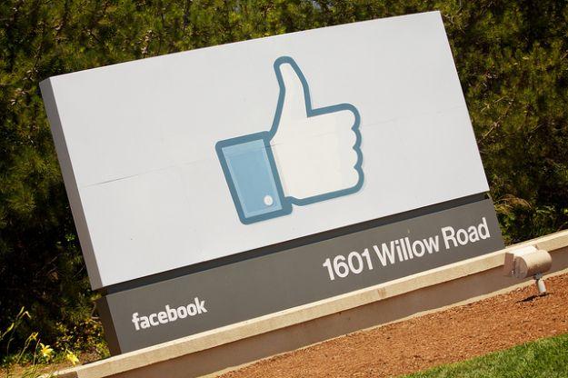 pagine facebook pulsante subscribe
