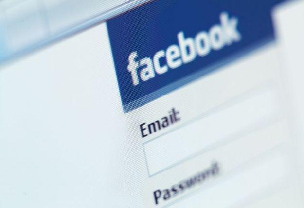Fornire la password di Facebook per ottenere il lavoro? Ormai è un obbligo
