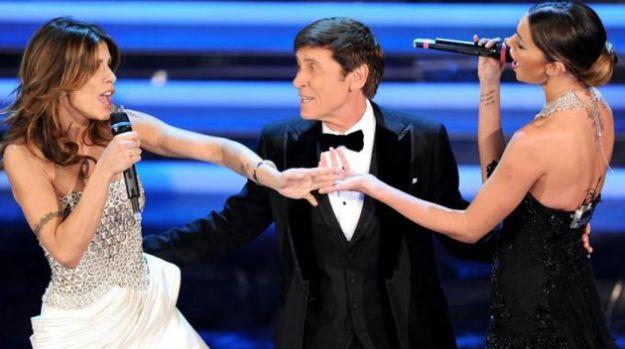 Sanremo 2012 su Twitter: i commenti più divertenti durante la diretta