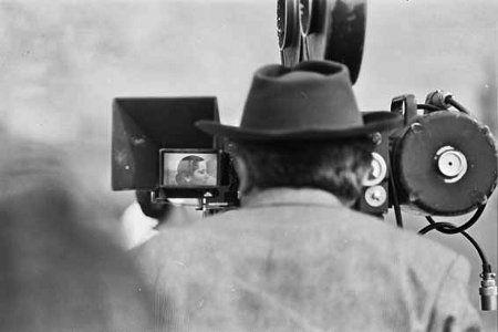 Milano: filmati raccontano storie digitali