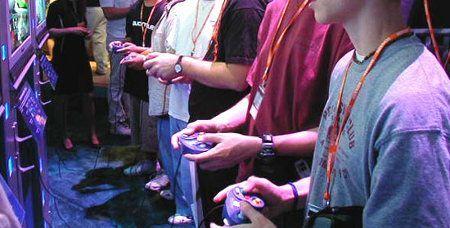 Videogiochi: vendite triplicate per Sony e Nintendo