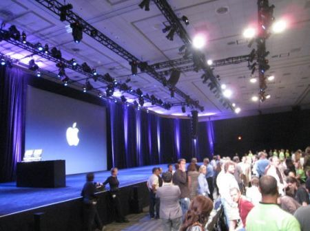 Steve Jobs invita Steve Ballmer al keynote