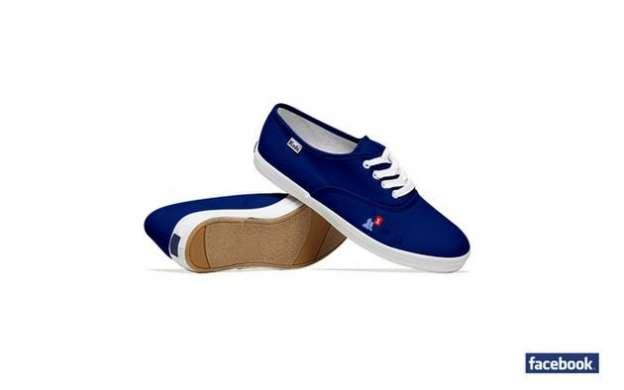 Le scarpe ispirate a Facebook e ad altri siti
