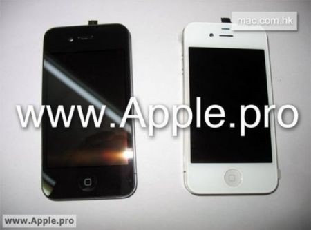 iPhone 4G in versione nera e in versione bianca