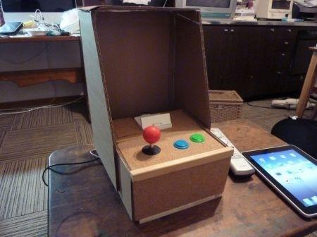 Un mini cabinato da sala giochi con iPad