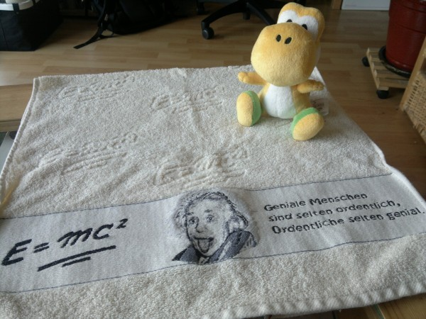 Towel Day: asciugamano personalizzato