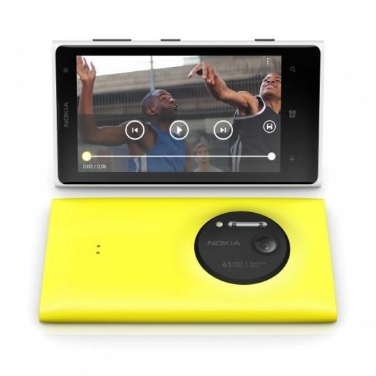 Nokia Lumia 1020 con fotocamera