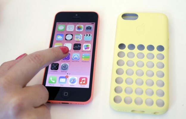 iPhone 5C con custodia